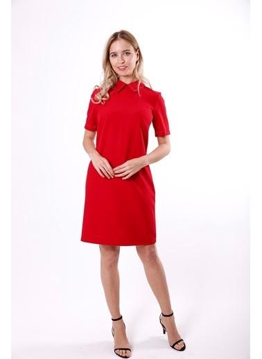 Clıche Yakası Ve Kolları Boncuk İşleme Detaylı Pudra Elbise Kırmızı